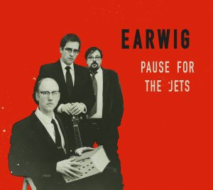 earwig-pause-for-the-jets